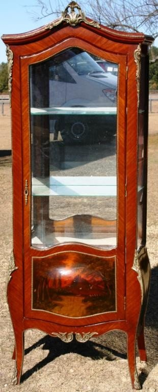 20: 20TH C. FRENCH STYLE DISPLAY CASE WITH