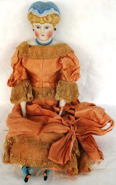 6: VICTORIAN PORCELAIN HEAD DOLL WITH
