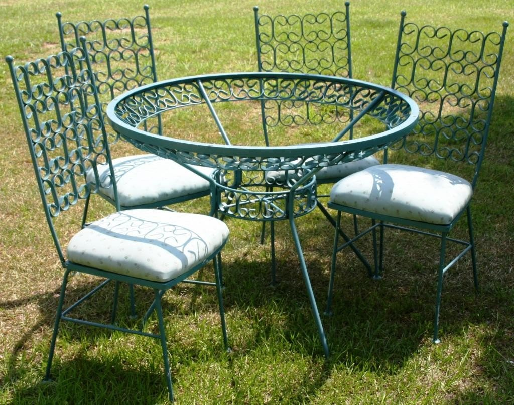 10: 5 PC. WROUGHT IRON PATIO SET, PLATE GLASS TOP