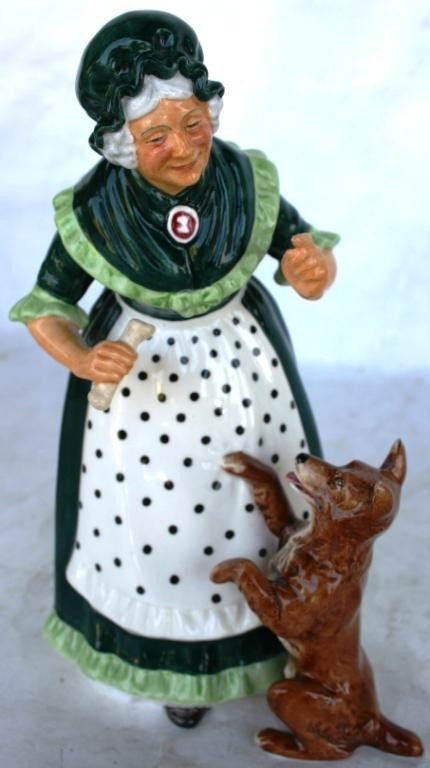 23: ROYAL DOULTON FIGURINE, OLD MOTHER HUBBARD