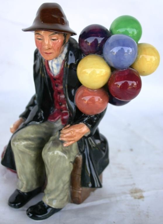 24: ROYAL DOULTON FIGURINE, THE BALLOON MAN,