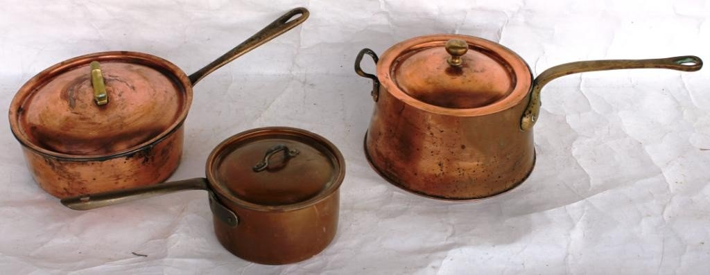 4: LOT OF 3 COPPER COVERED PANS, WITH