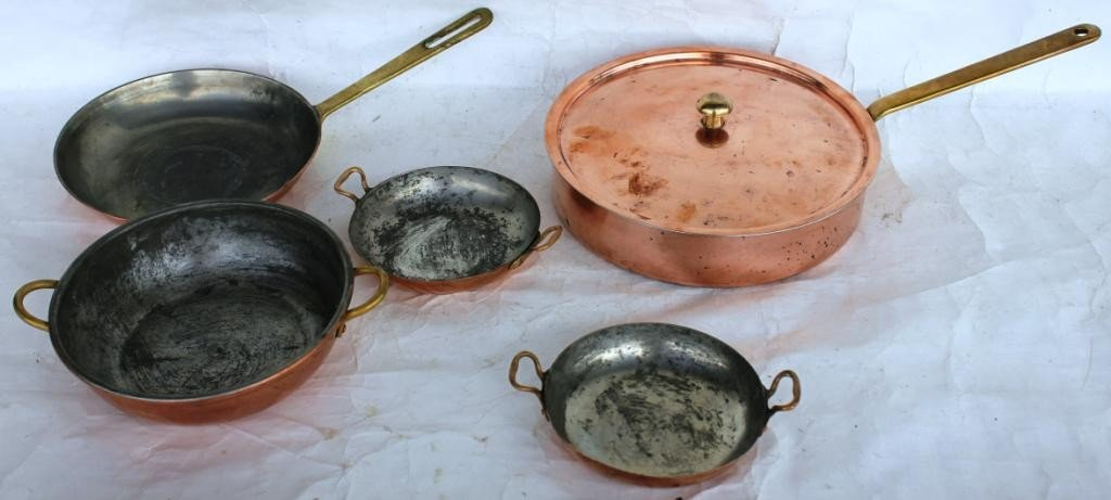 7: LOT OF 5 PCS. OF BRASS HANDLED COPPER COOKWARE,