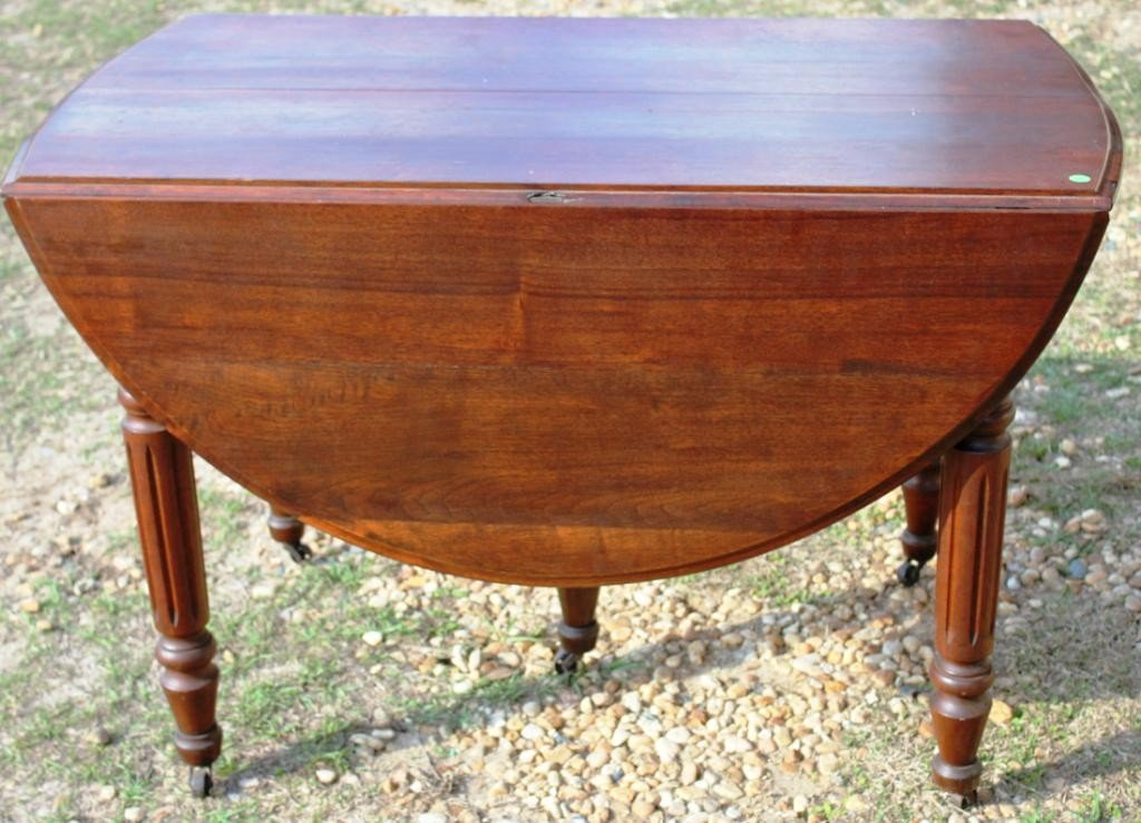 15: VICTORIAN WALNUT 5 LEG TABLE WITH DROP LEAVES,