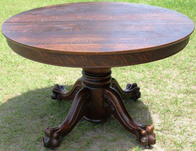 VICTORIAN ROUND OAK CLAW FOOT DINING TABLE