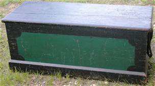 205 EARLY 19TH C PAINTED SIX BOARD BLANKET BOX WITH