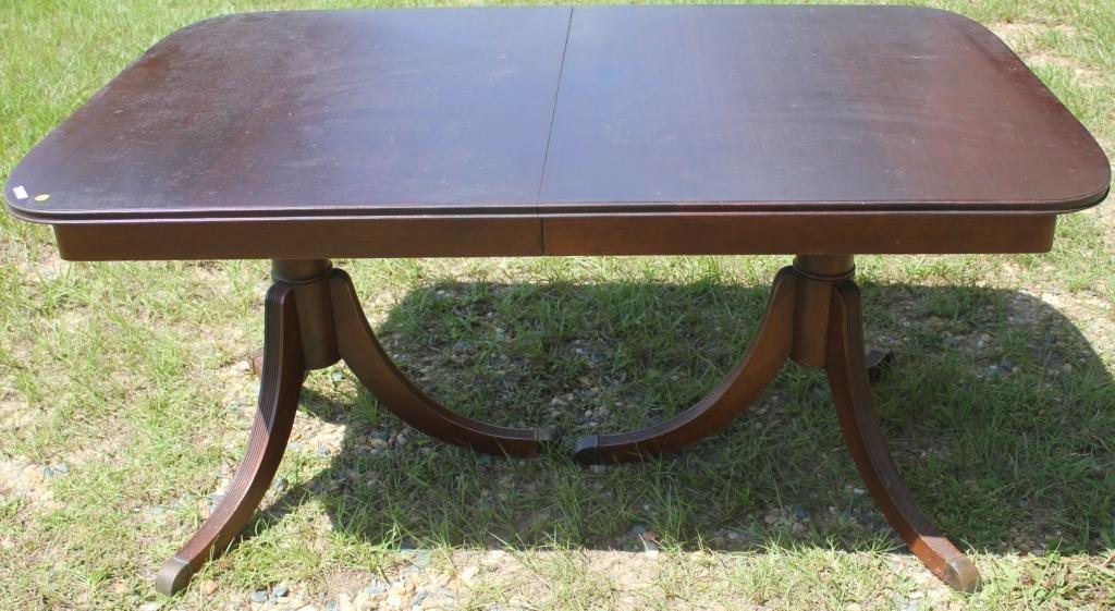 MAHOGANY DUNCAN PHYFE DINING TABLE,