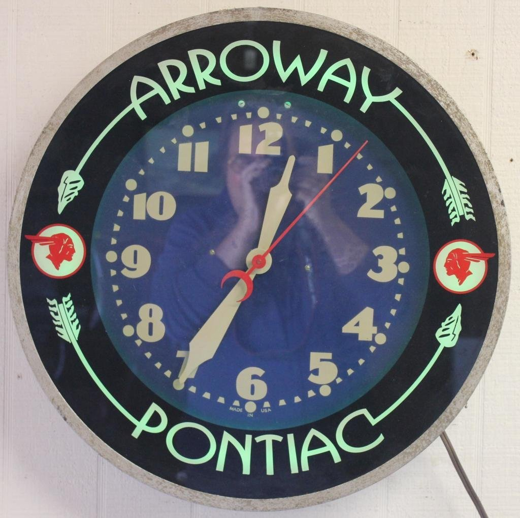 PONTIAC ADVERTISING CLOCK, WORKING CONDITION,