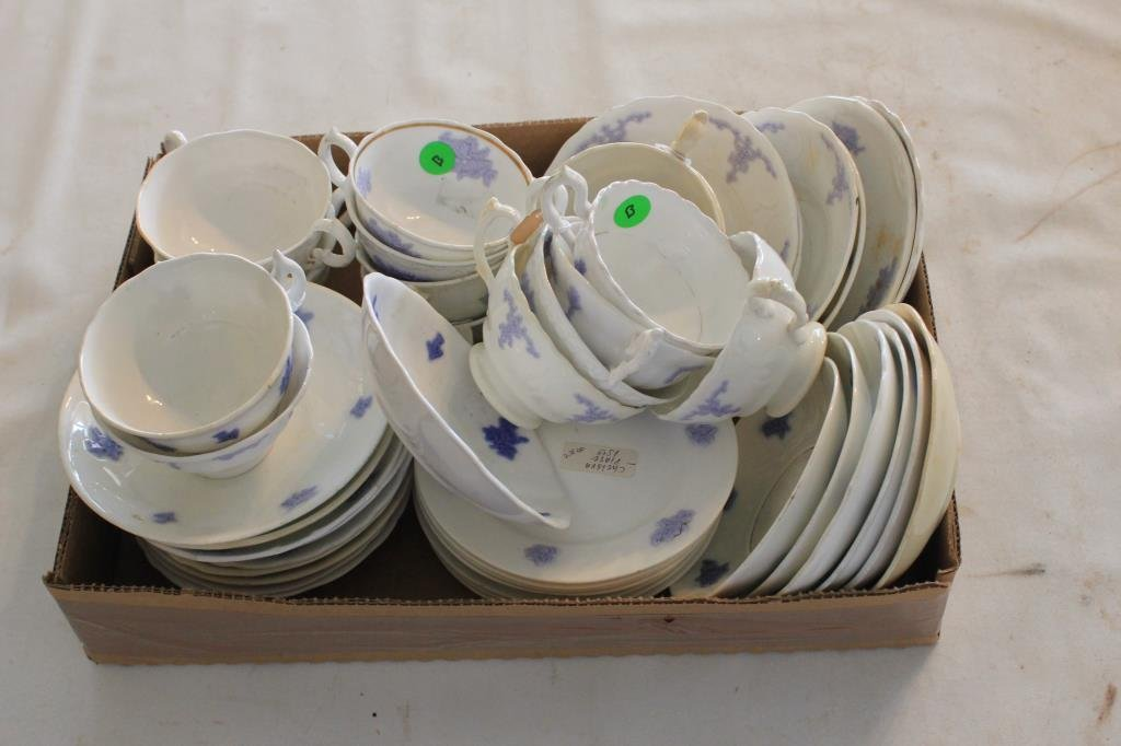 47 PCS CHELSEA WARE, CUPS, SAUCERS, LUNCHEON