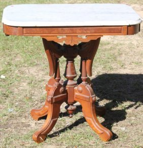 Victorian Walnut Mable Top Lamp Table
