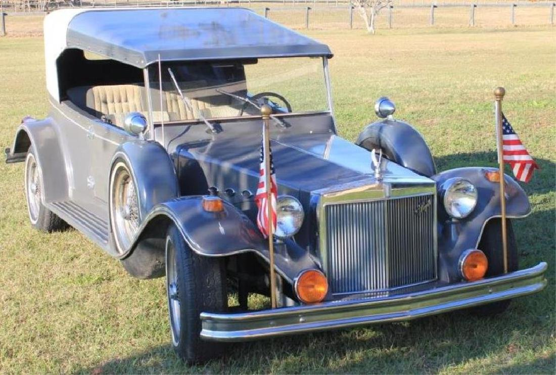 1982 ROYALE COLLECTOR CAR, 21,843 MILES, BUILT ON