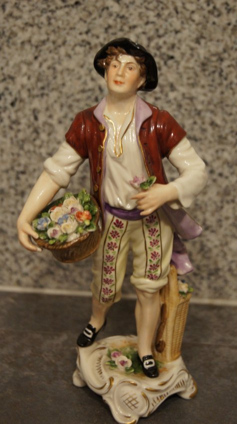 LOT OF 2 PORCELAIN FIGURINES - PAIR BOYS WITH FLOWERS