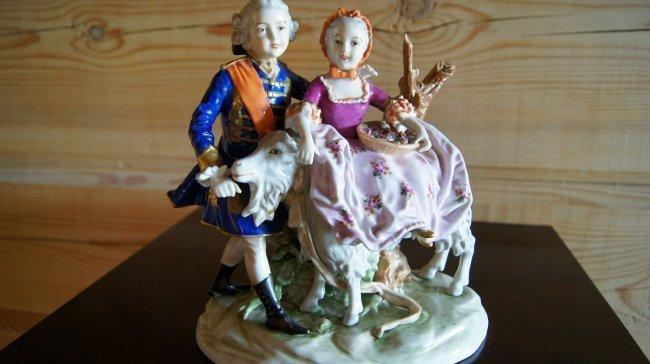 GERMAN DRESDEN PORCELAIN FIGURINE - LOVERS COUPLE