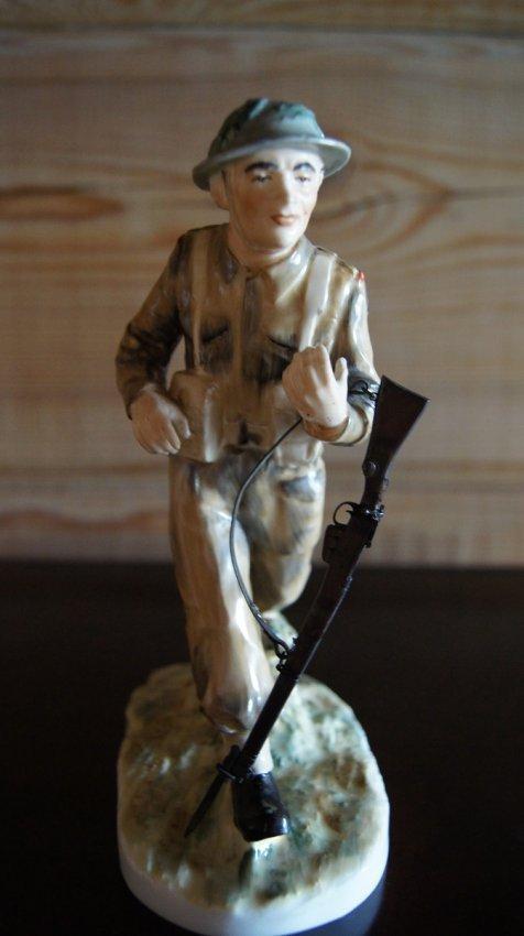 BRITISH PORCELAIN FIGURINE SOLDIER - LIMITED EDITION
