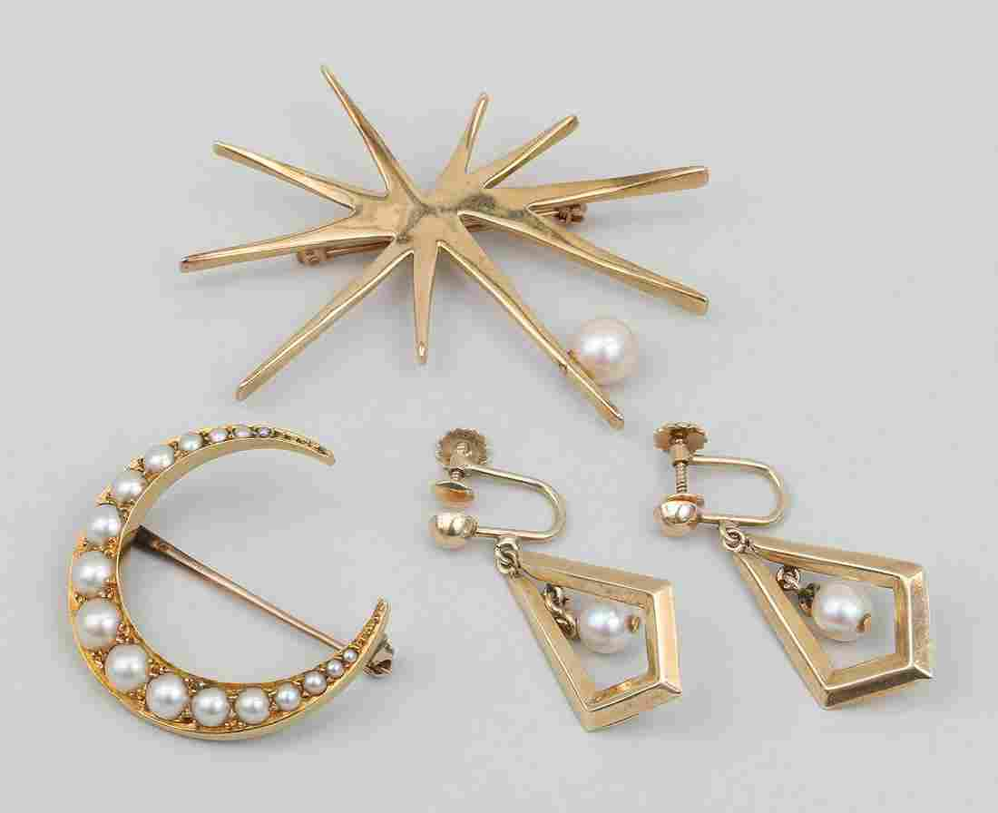 Group of (3) 14k gold and pearl jewelry items