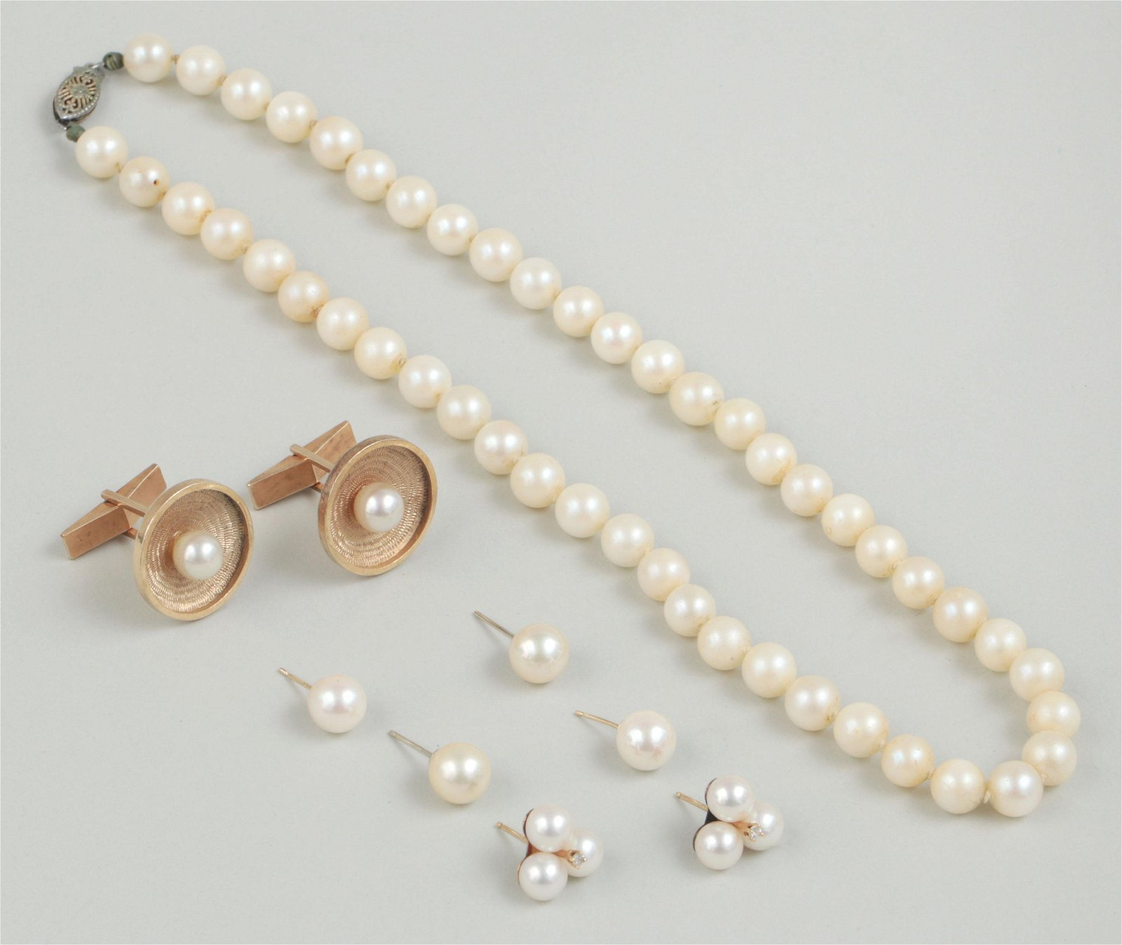 Group of (5) 14k gold and pearl jewelry