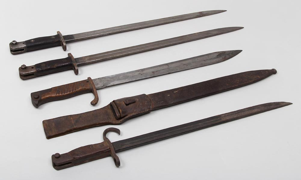 Group of (4) bayonets from Germany, England and Japan