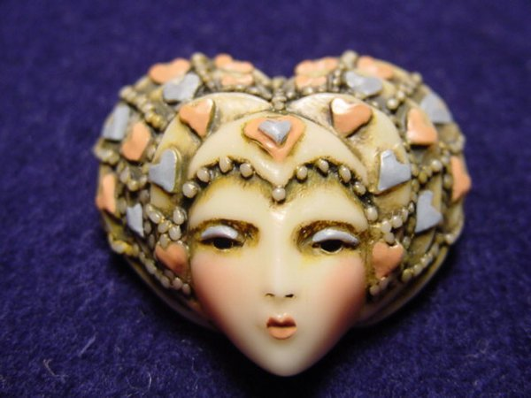 8208: Lady head pin, Sylvia Massey signed & numbered
