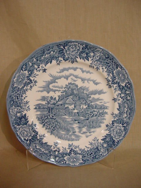 247: Salem China English Village 6 dinner plates