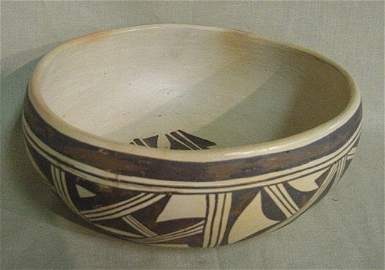 674: Hopi Indian Bowl Signed By E. Chapella