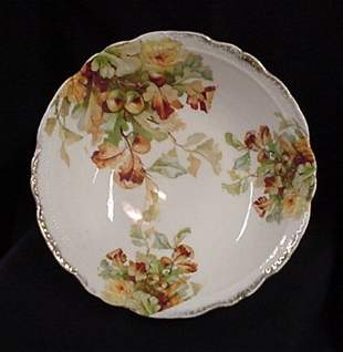 Acorn pattern china serving bowl