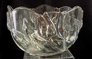 Tulip design crystal serving bowl