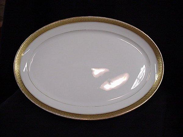 1015: Limoges oval serving platter