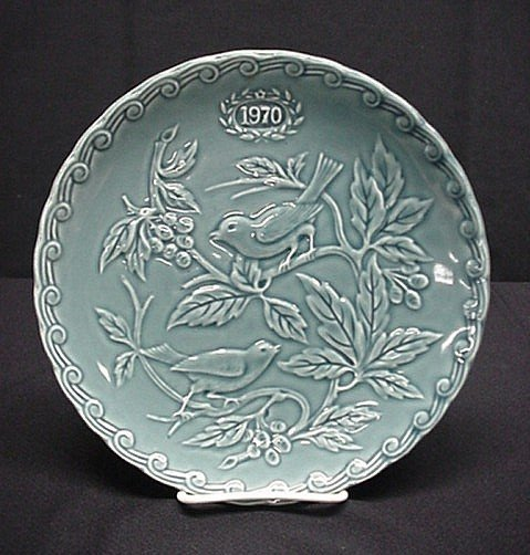 3008: Faience de St. Amand 1970 limited edition plate