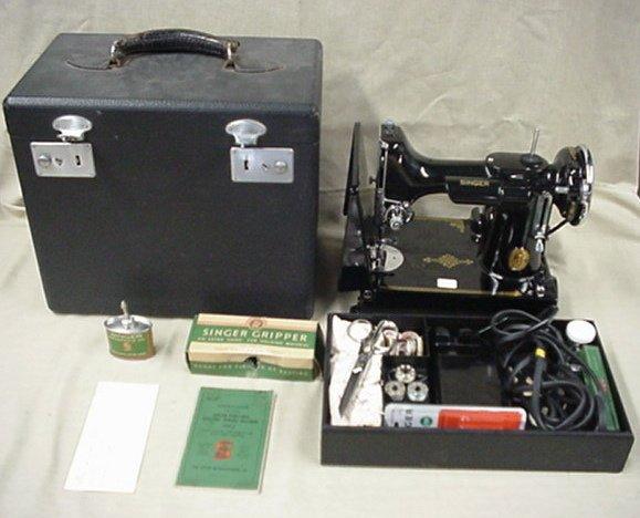 3282: Singer Featherweight sewing machine
