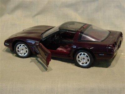 3002: Franklin Mint 1/24 Scale 1993 Chevrolet Corvette