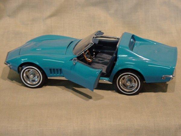 3003: Franklin Mint 1/24 Scale 1968 Chevrolet Corvette