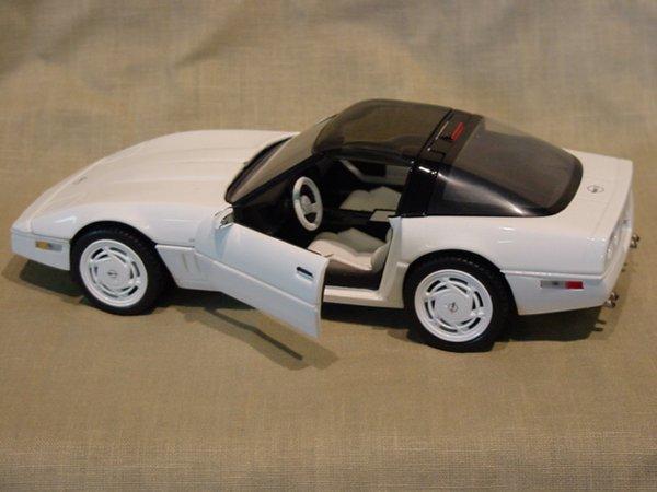 3004: Franklin Mint 1/24 Scale 1988 Chevrolet Corvette