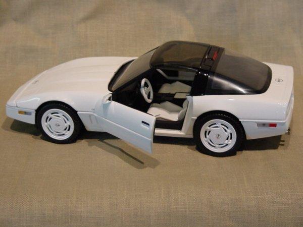 3008: Franklin Mint 1/24 Scale 1988 Chevrolet Corvette