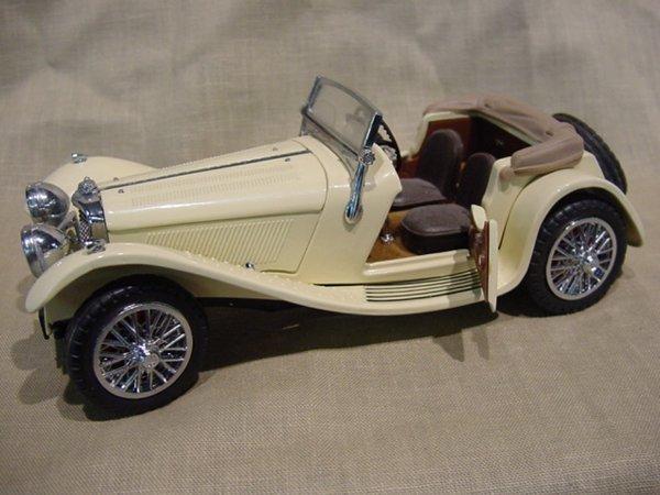 3015: Franklin Mint 1/24 Scale 1938 Jaguar SS-100