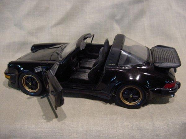 3018: Franklin Mint 1/24 Scale 1988 Porsche 911