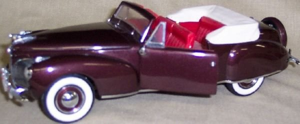 3021: Franklin Mint 1/24 Scale 1941 Lincoln Continental