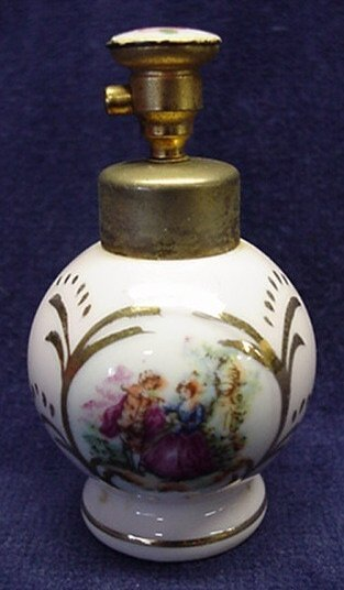 5006: Porcelain atomizer bottle with hand-painted desig