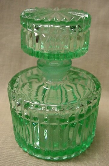 5024: Green crystal perfume bottle and stopper