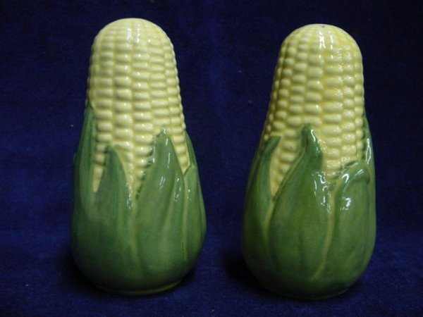 7021: Shawnee tall corn salt & pepper shakers