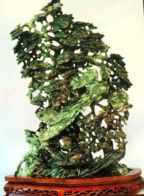 Chinese jade sculpture with bird