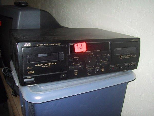 13: JVC double cassette deck TDW354