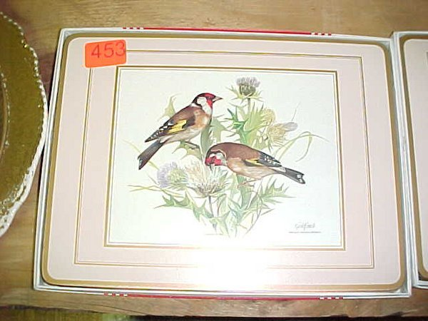453: Pimpernel traditional place mats in box,