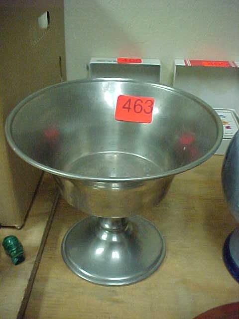 463: Woodbury pewterers pewter serving bowl