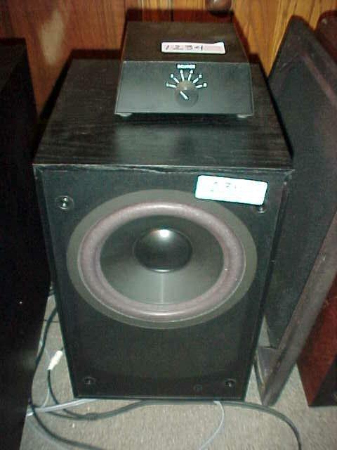 "1235: Sound dynamics RTS-800 100 watt 8"" powe"