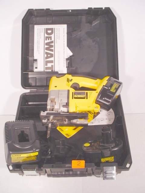 2: DeWalt DW933 cordless jig saw XR2 in case