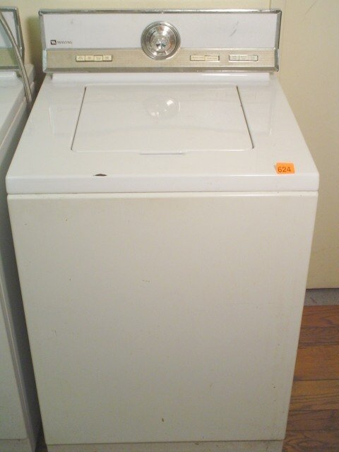 624: Maytag top loading electric washer