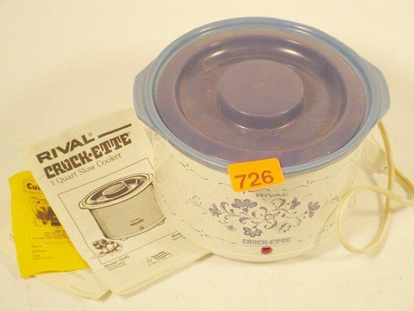 726: Rival Crockette electric mini crock pot
