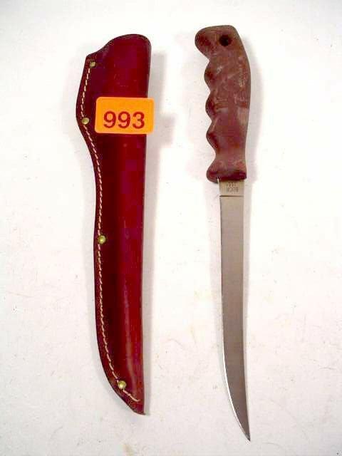 993: Buck fillet knife 7 inch blade w/brown l