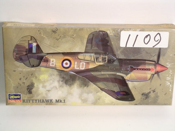1109: Model Kit Hasegawa Curtiss Kittyhawk