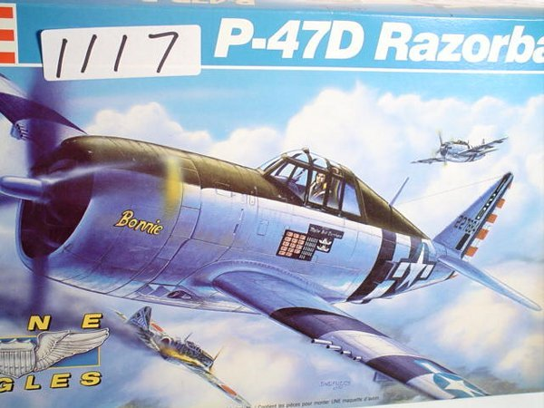 1117: Model Kit Revell P-47D Rzrbkack